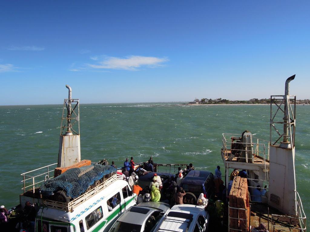 Fähre von Banjul nach Barra (Gambia)