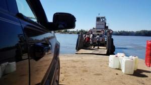 Fähre über den Rio Cacheu